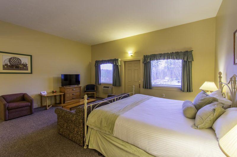 attitash motel and suites